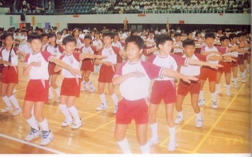 82學年夏季運動服